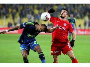 Antalyaspor - Fenerbahçe maçına sıkı güvenlik