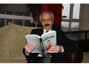 Yaşar Doğu'nun Hayatı Kitaplaştı