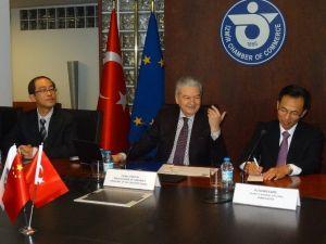 Çin Sofralarına İzmir Kirazı