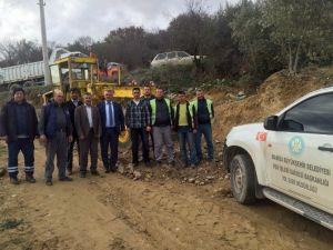 Akhisar'da Vatandaş Çamurdan Kurtuldu