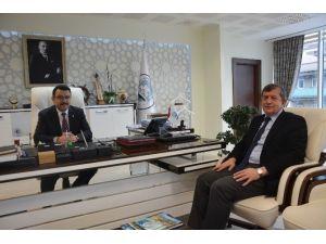 AK Parti Trabzon İl Başkanı Revi, Başkan Genç İle Görüştü