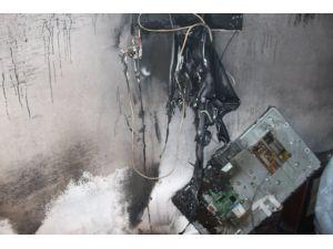 Nusaybin'de evde çıkan yangında çocuk odası kullanılamaz hale geldi