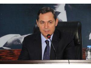 Belediye Başkanı Uysal'dan Karla Mücadeleye İlginç Yorum