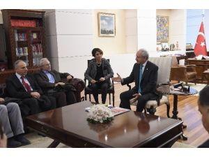"""CHP Genel Başkanı Kılıçdaroğlu, """"Barış Savunucuları"""" Grubu İle Görüştü"""