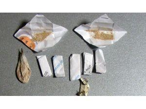 Eroin Ve Uyuşturucu Hapla Yakalanan 2 Kişi Tutuklandı
