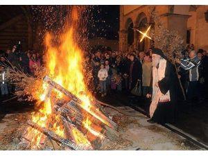 Kosovalı Sırp Ortodokslar Noeli Kutladı