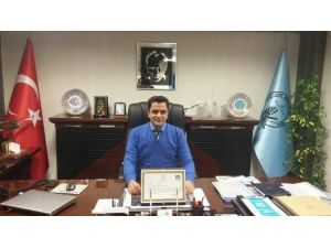Havalimanı Müdürü Aladağ'a Başarı Belgesi