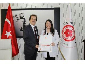 CÜ Rektörü Kocacık'tan Fedakar Doktora Teşekkür Belgesi