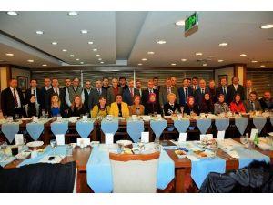 Kent Konseyleri Körfez'de Bir Araya Geldi