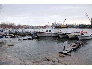 Balıkçıları Lodos Vurdu