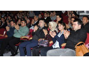 Yargı mensupları tiyatro izledi