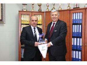 Federasyon Başkanı Ozanoğlu, Halk Eğitim Merkezi Müdürlüğünü Ziyaret Etti