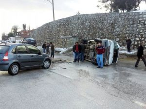 Otomobille Minibüsün Karıştığı Kazada 7 Kişi Yaraladı
