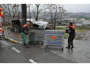Dilovası'nda Çöp Konteynırları Yenileniyor