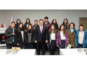 Öğrenciler Karesi'de Belediyeciliği Öğreniyor