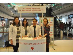 Toplum Sağlığı Merkezi Esas 67 AVM'de Stant Açtı