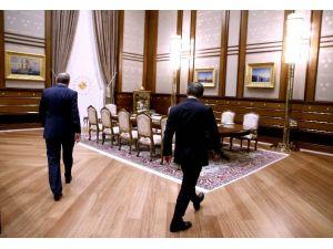 Başbakan Davutoğlu Beştepe'de