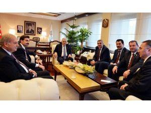 Başkan Zeki Toçoğlu Ve Beraberindeki Heyetten Bakan Yıldırım'a Ziyaret
