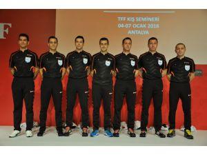 34 hakem, FIFA kokartı taktı