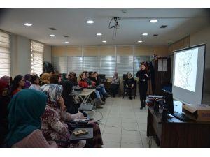 Hanımlar Lokali'nde Beden Dili Eğitimi