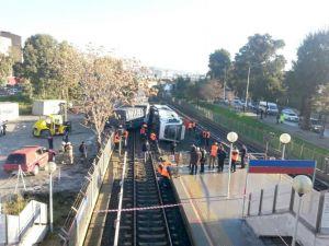 İzmir'de metro kazası: 5 yaralı ayakta tedavi edildi