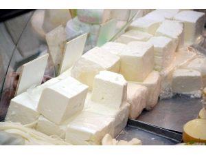 Eskişehir'de Açıkta Peynir Satışı
