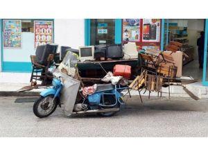 Kamyonete Sığmayacak Eşyayı Motosikletle Taşıdı