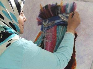 Emirdağlı Bayan Ressam Belçika'da Göç Konulu Sergi Açıyor