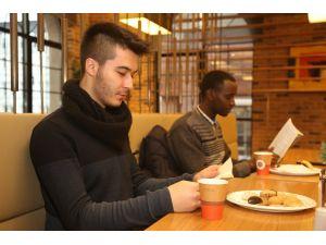 Çay, kurabiye ve kitapla sınav stresini azaltın