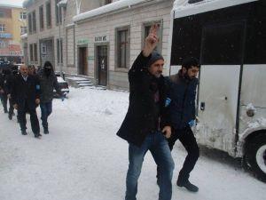 Bulanık'ta Gözaltına Alınan 20 Kişi Serbest Bırakıldı
