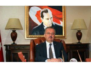 Vali Günay Özdemir'in 10 Ocak Çalışan Gazeteciler Günü