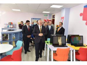 Acıpayam Osman Manisalı İlkokulu'na Z-kütüphane açıldı