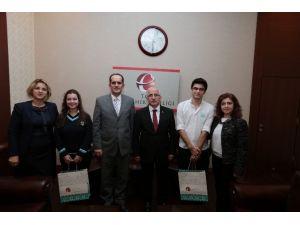 Vali Tuna, TÜBİTAK'ı Yurtdışında Temsil Edecek Başarılı Öğrencileri Kabul Etti