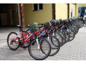 Bisiklet yolu bulunmayan Çankırı'da 200 bisiklet dağıtıldı