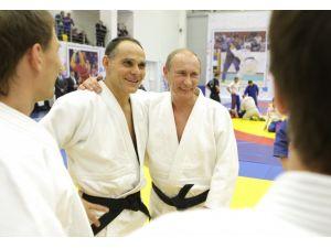Putin, Rusya Milli Judo Takımı'nın İtalyan antrenörüne Rusya pasaportu verdi