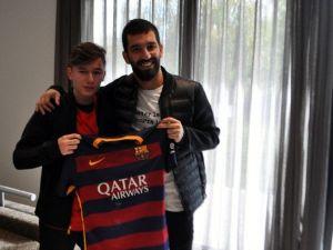 Arda Turan'dan Altıntepsili Genç Futbolcuya Tavsiyeler