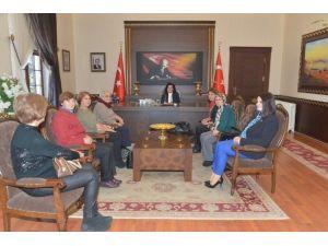 Bayan Muhtarlardan Vali Civelek'e Ziyaret