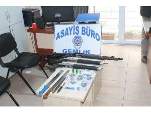 Gemlik'te Uyuşturucu Ve Silah Ele Geçirildi
