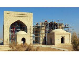 Türkmenistan'da Sahabe Türbeleri Restorasyonu Çalışmalarında Sona Yaklaşıldı