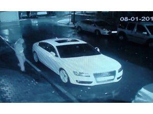 Lüks Otomobilin Camını İki Saniyede Açtılar, Çalamadan Kaçtılar