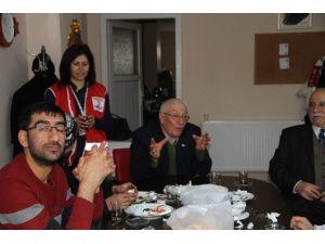 Ardahan Kızılay Başkanı Ahmet Ballı Gazeteciler Gününü Kutladı