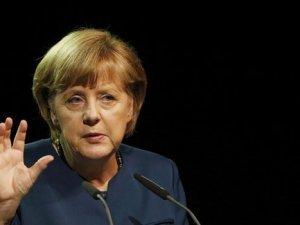Merkel Türkiye'ye yardımları savundu