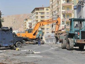 Diyarbakır'da bazı belediyelerin iş makinelerine el konuldu