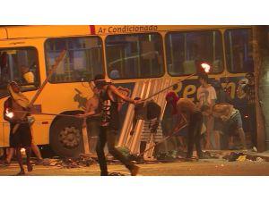 Brezilya'da toplu taşımaya zam isyanı