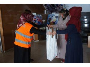 Kimse Yok Mu Erzurum'da 300 aileye kırmızı et dağıttı