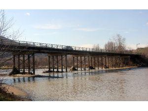 Bartın'da 7 Köyün Ulaşımını Sağlayan Köprü, Yıkılma Tehlikesi Yaşıyor