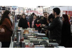9. Çukurova Kitap Fuarı Yoğun Katılımla Açıldı