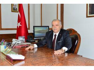 Kırşehir valisi ve il protokolü 'Çalışan Gazeteciler Günü'nü kutladı