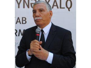 Azerbaycan halk şairi Zelimhan Yakup hayatını kaybetti