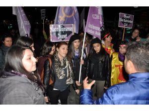 Diyanet'i protesto eden kadınların yürüyüşüne izin verilmedi